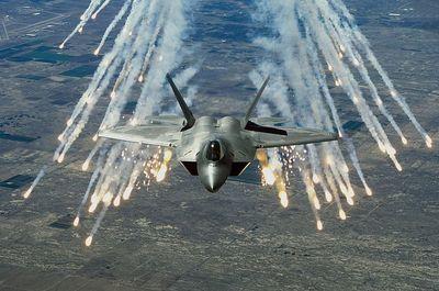 F-22_.jpg